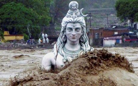 Siva_Statue_RAin_PTI